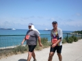 Pascal, le coach du club de marche de Vernon, ici à gauche